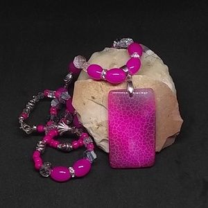 Pink Agate Pendant Beaded Necklace